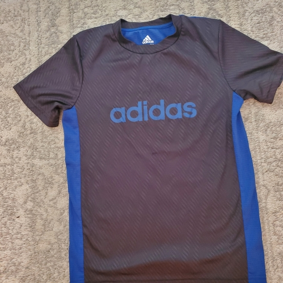 Boys M 12 Adidas Dry Fit Shirt